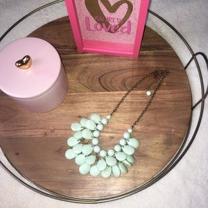 Jewelry - Mint layered bib necklace